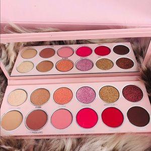 💋Kylie Cosmetics 2019 Valentines Palette.❤️